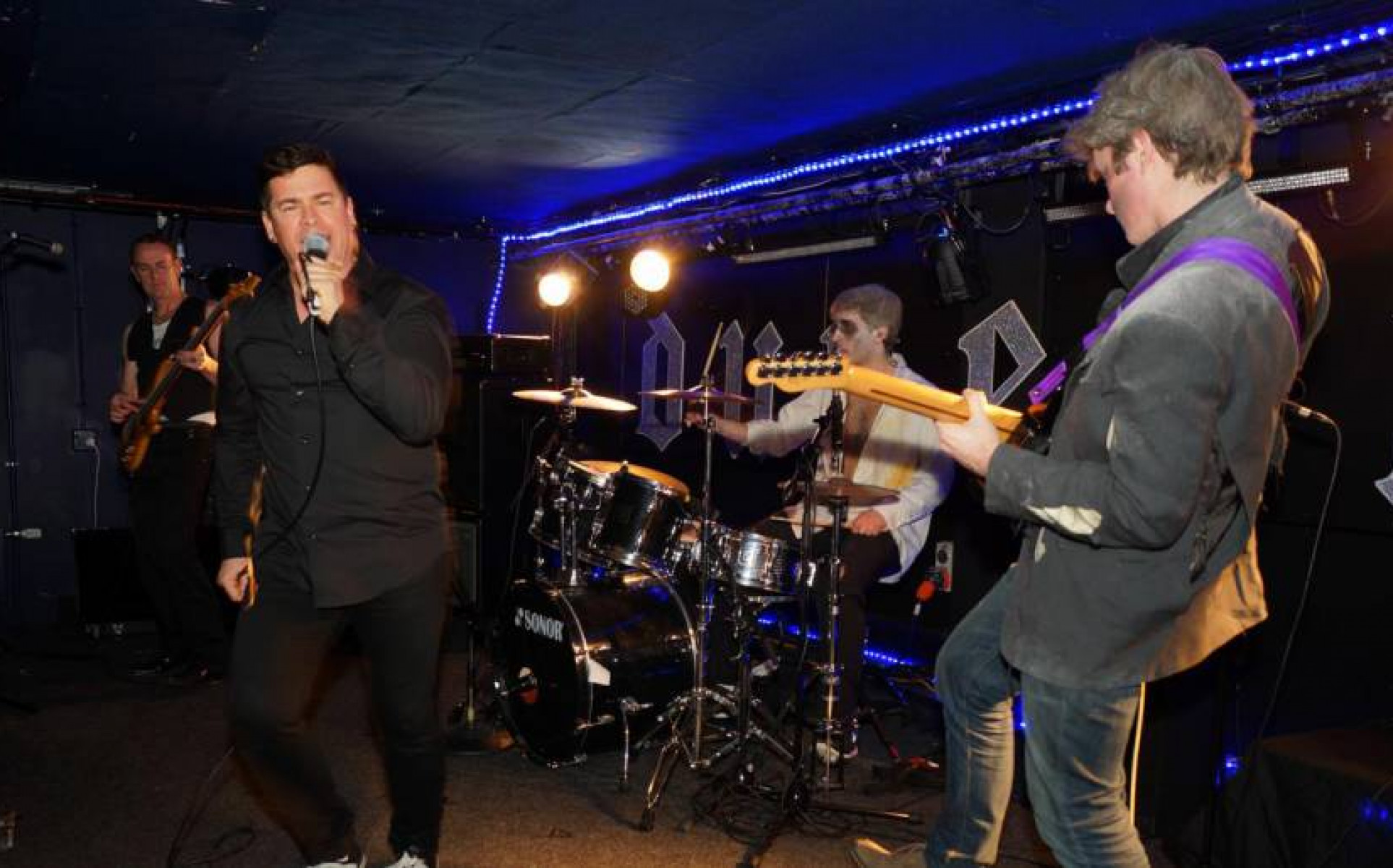 Queenstown Bands for Hire | Cover Bands | Weddings | Events - Fresco